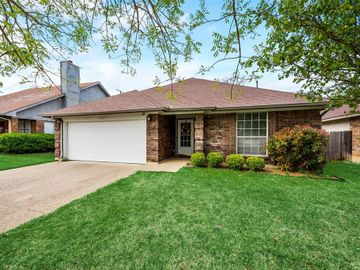 7425 Little Rock Lane, Fort Worth, TX, 76120,