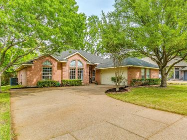 6984 Allen Place Drive, Fort Worth, TX, 76116,