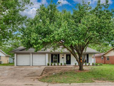 904 Edna Drive, Everman, TX, 76140,