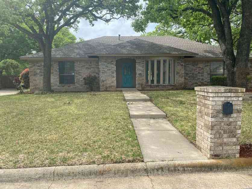 7304 Londonderry Drive, North Richland Hills, TX, 76182,