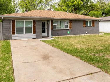 7708 Collett Drive, White Settlement, TX, 76108,