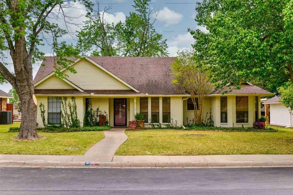 202 Buffalo Creek Drive, Waxahachie, TX, 75165,