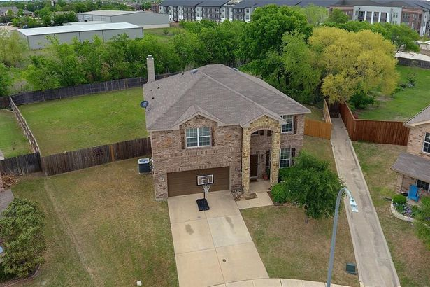 3965 Grizzly Hills Circle