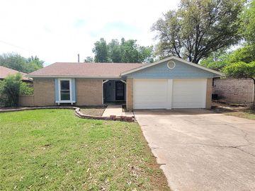 7424 Sandywoods Court, Fort Worth, TX, 76112,