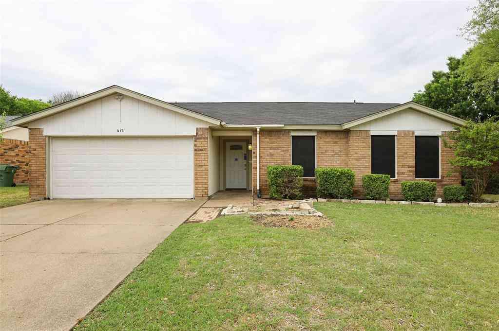 618 S Waxahachie Street, Mansfield, TX, 76063,