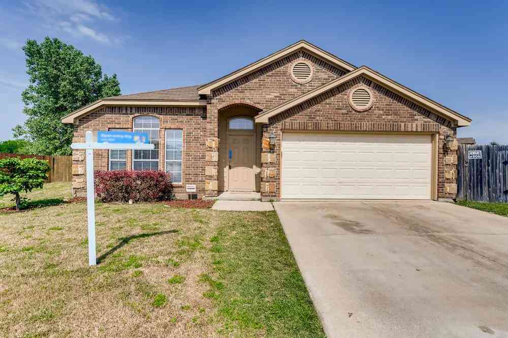 901 Marist Drive, Fort Worth, TX, 76120,