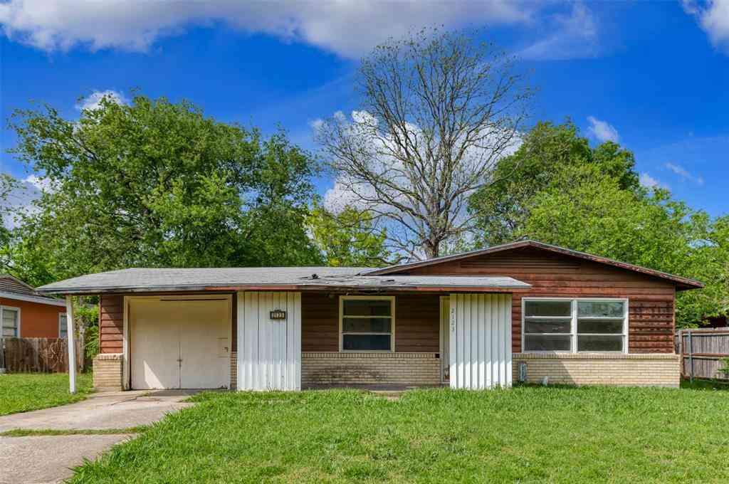 2123 Cloverdale Street, Arlington, TX, 76010,