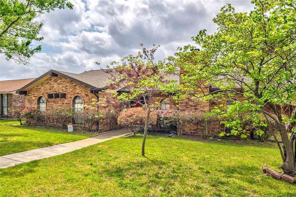 1800 Red Oak Lane, Carrollton, TX, 75007,