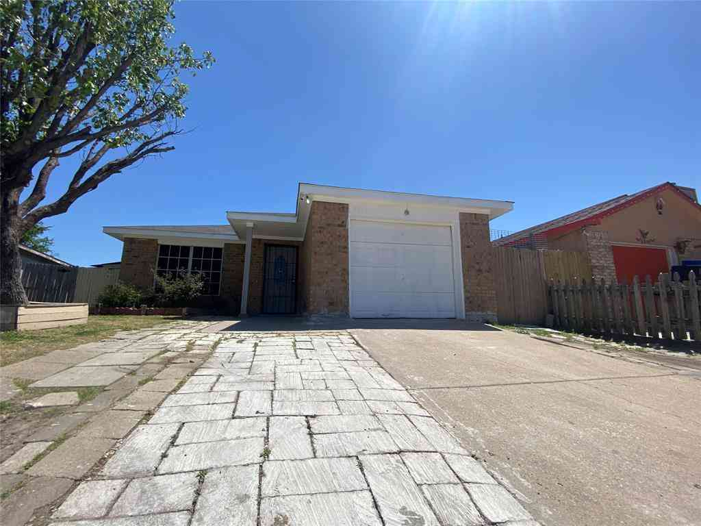 3904 Scarsdale Lane, Dallas, TX, 75227,
