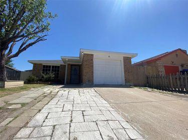 3904 Scarsdale Lane, Dallas, TX, 75227,
