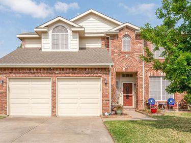 901 Summerbrook Drive, Euless, TX, 76040,