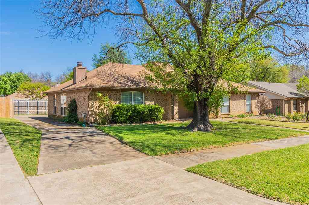 806 Blessing Creek Drive, Euless, TX, 76039,