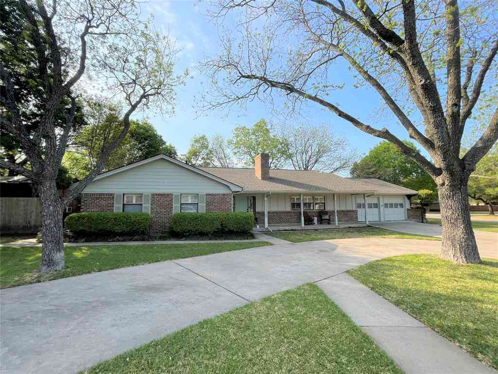1202 Glenhaven Drive, Cleburne, TX, 76033,