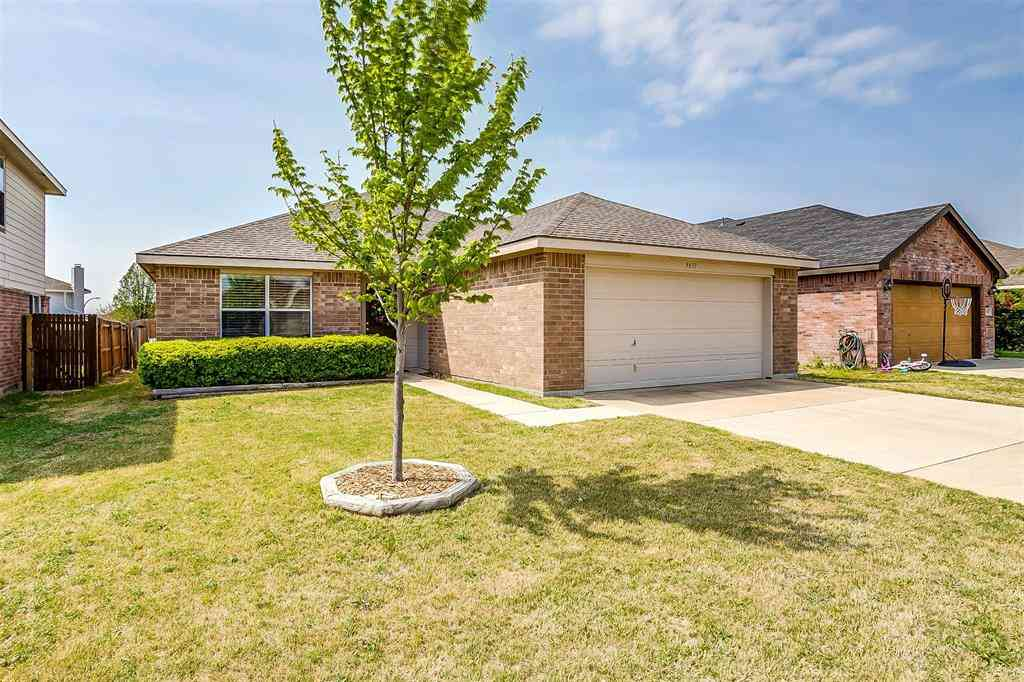 9837 Sparrow Hawk Lane, Fort Worth, TX, 76108,