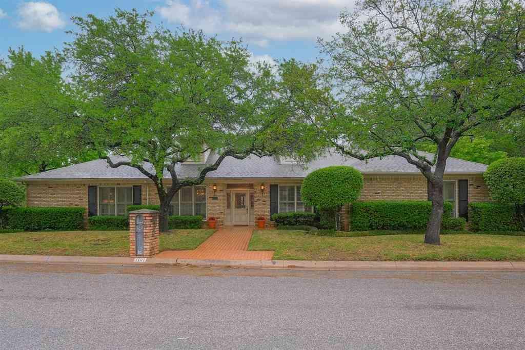1101 Southmont Drive, Denton, TX, 76205,