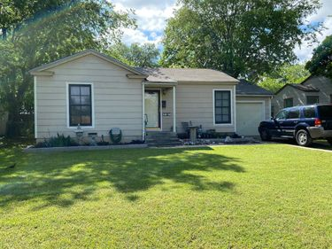 3812 Marks Place, Fort Worth, TX, 76116,