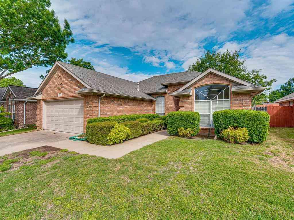 324 Chantilly Court, Hurst, TX, 76054,