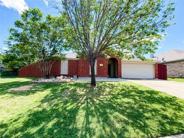 308 Cliffdale Drive, Euless, TX, 76040,