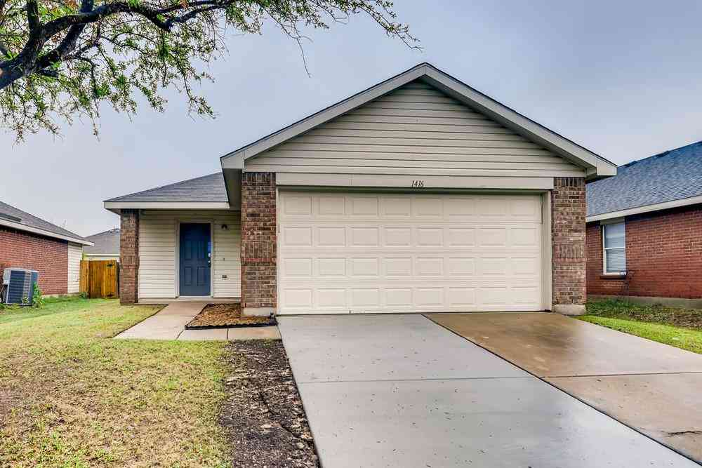 1416 Queens Brook Lane, Fort Worth, TX, 76140,