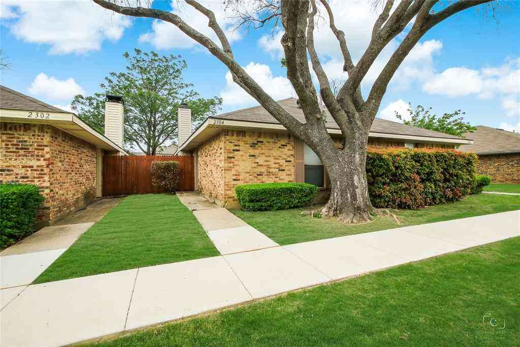 2304 Carol Good Lane, Carrollton, TX, 75006,