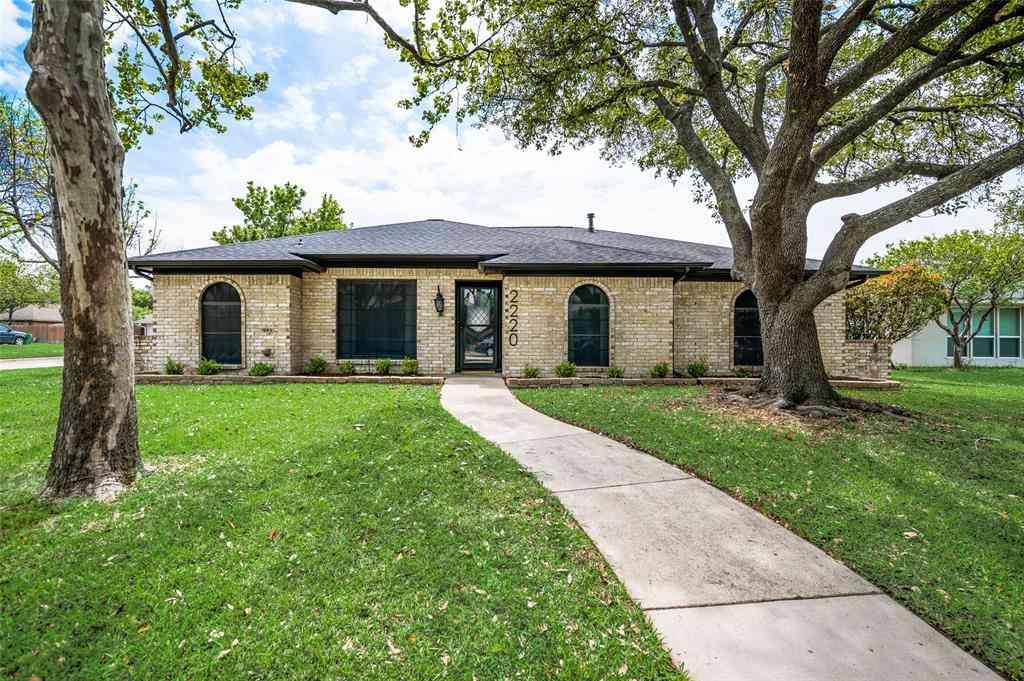 2220 Roundrock Drive, Carrollton, TX, 75007,