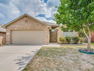 5409 Kingsknowe Parkway, Fort Worth, TX, 76135,