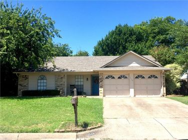 1116 MELVIN Drive, Benbrook, TX, 76126,