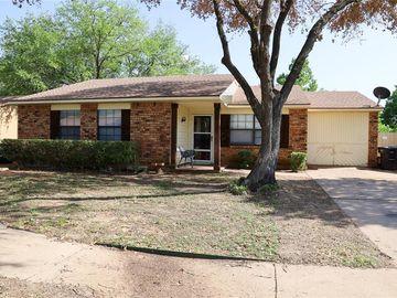 3749 Bee Tree Lane, Fort Worth, TX, 76133,