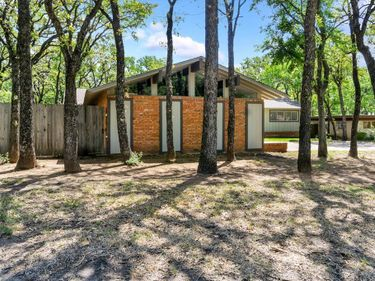 6421 Yorkshire Drive, Forest Hill, TX, 76119,