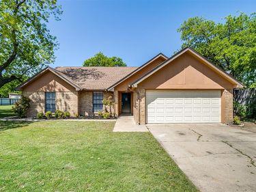 4745 Oarlock Drive, Fort Worth, TX, 76135,