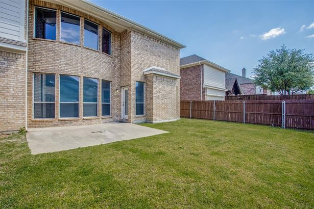 12163 Settlers Knoll Trail