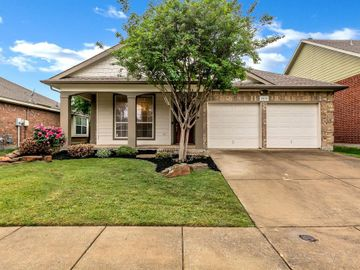 2813 Red Wolf Drive, Fort Worth, TX, 76244,