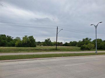 5720 E Rosedale Street, Fort Worth, TX, 76112,