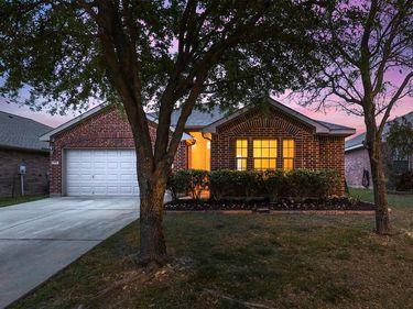 1432 Castlegar Lane, Fort Worth, TX, 76247,