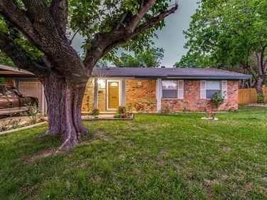 4517 Wilson Court, Lake Worth, TX, 76135,