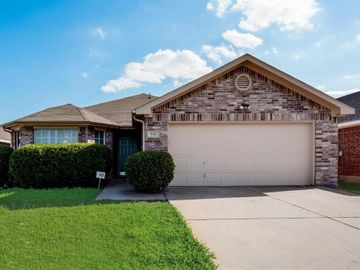 930 Timber Oaks Lane, Arlington, TX, 76010,
