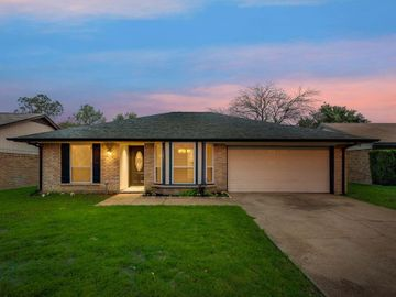 3108 Green Ridge Street, Fort Worth, TX, 76133,