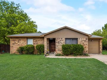 7854 Hollyberry Court, Fort Worth, TX, 76133,