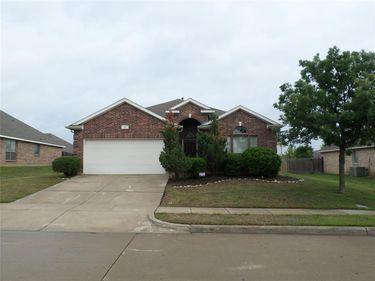 16 Spring Garden Drive, Edgecliff Village, TX, 76134,