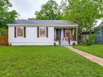 4828 Arc Drive, River Oaks, TX, 76114,