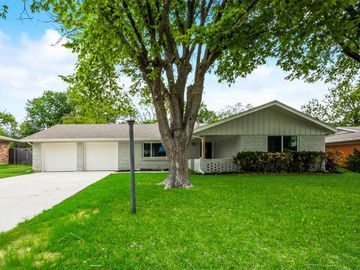 2101 Downey Drive, Fort Worth, TX, 76112,