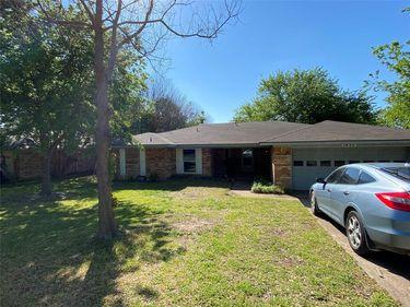 1620 High Ridge Road, Benbrook, TX, 76126,