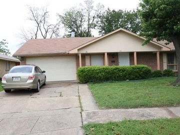 811 Rockledge Drive, Garland, TX, 75043,