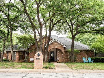 1709 Rock View Court, Fort Worth, TX, 76112,