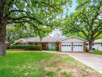 7220 Ellis Road, Fort Worth, TX, 76112,