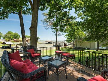 105 Oak Creek Drive, Tool, TX, 75143,