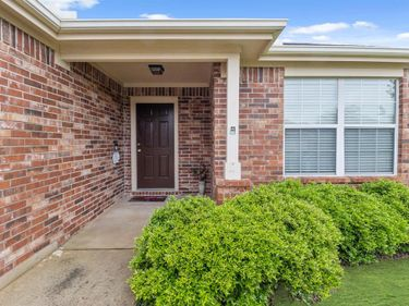 6325 Stone Lake Court, Fort Worth, TX, 76179,