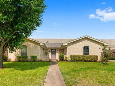 2609 Meadow Lake Drive, Grand Prairie, TX, 75050,