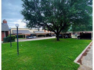 961 Cedarland Boulevard, Arlington, TX, 76011,