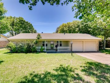 8029 Chapin Road, Benbrook, TX, 76116,